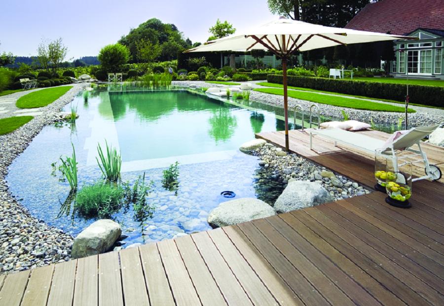 algumas das vantagens e desvantagens em uma piscina